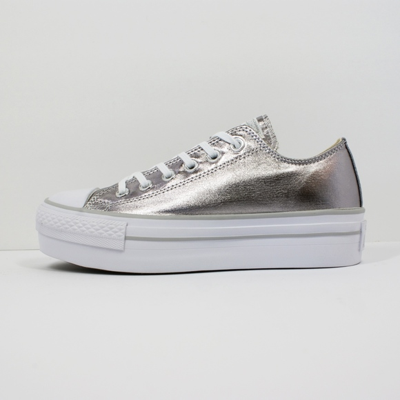 ceaaf12475e NEW Chuck Taylor Low Top PLATFORM Sneakers Silver. NWT. Converse